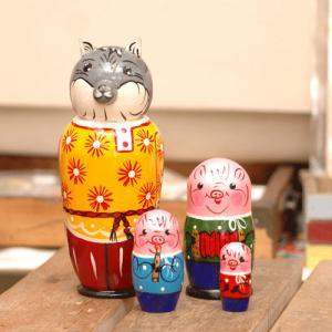 マトリョーシカ 3匹の子豚|johnnyjumpup