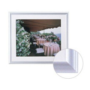 在庫状況:入荷次第出荷/※画像は使用イメージです。◆柔らかな印象のアルミフレーム◆曲面と直線の組合せ...