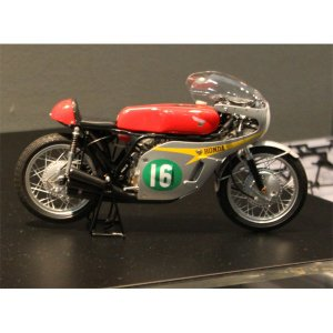 タミヤ 1/ 12オートバイシリーズ Honda RC166 GPレーサー (14113)プラモデル...