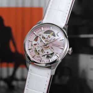 機械式時計のムーヴメントの動きが文字盤側からも楽しめる人気シリーズ「ジャズマスタースケルトン」のレデ...