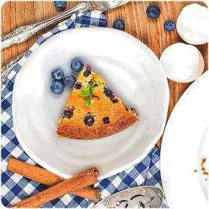 粉引きのクリームがかった白が 温かみのある雰囲気を醸し出してくれる、中皿。 真ん丸ではなく少し歪んだ...