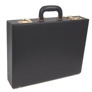 GUSTO ガスト 日本製アタッシュケース合成皮革 B4ファイルサイズ|kaban-aiwa