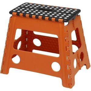 ●コンパクトに収納可能な簡単ワンタッチ折り畳み式の踏み台です