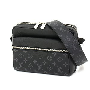 ルイ・ヴィトン Louis Vuitton アウトドア・メッセンジャー PM M30233 タイガ モノグラム・エクリプス ショルダーバッグ メンズ 未使用品|kadusaya78