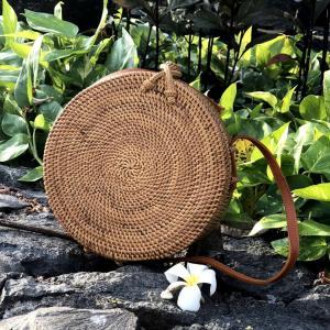アタバッグ カゴバッグ サークルバッグ アタバッグショルダー 高級 バリ島 ハンドメイド 丸型カゴバッグ 斜め掛け 丸型生地付き仕様 「直径20cm」  No115|kagocierge