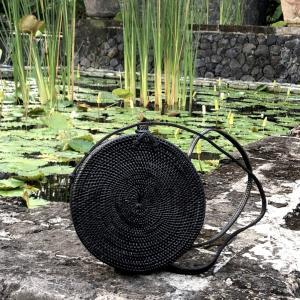 黒アタバッグ カゴバッグ  サークルカゴバッグ カゴサークルバッグ  バリ島  高級 ハンドバッグ  斜めがけバッグ 丸型生地付き仕様  「直径20cm」 No115黒|kagocierge