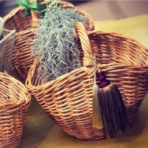 当社オリジナル品 カゴバッグ ラタン 籐 丈夫 収納かご 花器 籐籠 1本手 可愛い 丸みのあるバック デコバッグにも カジュアルバッグ 上品コーデ  KR-101|kagocierge