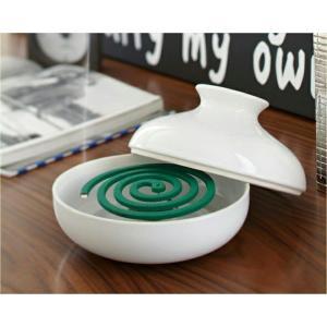 美しく洗練された「蚊取り用ポット」。どこで使っても溶け込むスタイリッシュでモダンなデザインに仕上がっ...