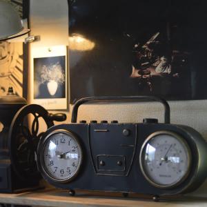 ラフで無骨なヴィンテージ感 アンティークラジオ風 置き時計 kagu