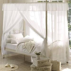 誰もが憧れるおしゃれで可愛いお姫様ベッドです。 お姫様気分で優雅に快適睡眠、インテリアとしても人気の...