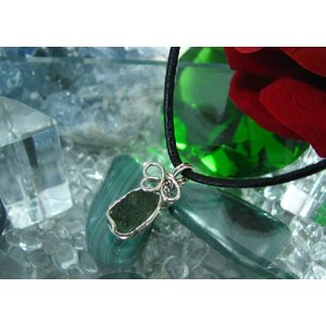 Silver925 天然石 パワーストーン 激安モルダバイトペンダント 皮ひも付き(1)|kaicrystal