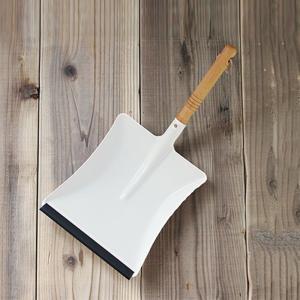 REDECKER ダストパン ホワイト ちりとりのみ  レデッカー チリトリ 白 北欧 かわいい しろ スコップ 玄関 ガーデニング パウダーコーティング|kajitano