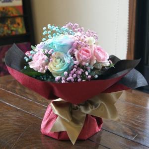送料無料 レインボーローズの花瓶の要らない花束