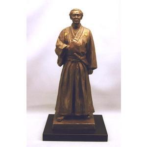 坂本龍馬 ブロンズ像 (喜多敏勝) |kakejiku