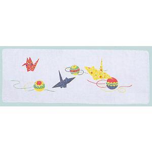 綿100%の二重袷のガーゼ手拭いです。黄色の鶴と毬を配したお正月らしい絵柄です。ポケットやポーチに入...