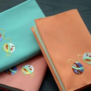 ブックカバー:刺繍 【鈴】|kamishichikenadachi