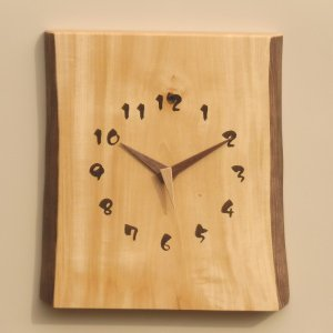 天然木一枚板の時計 栃の木  角型耳付き 30cm kamizen