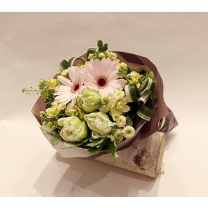 2月の花束:チューリップ<新横浜製作> 花 ギフト 誕生日 プレゼント フラワー ギフト ブーケ お祝い 記念日 結婚 退職 送別 送料無料 あすつく|kamon-hanay