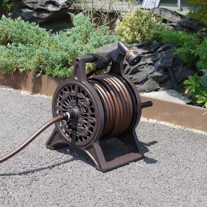 散水用ホースリールセット 25m巻 ブラウン アルミ鋳物フレーム 蛇口接続具ノズル一式セット 日本製|kanaemina
