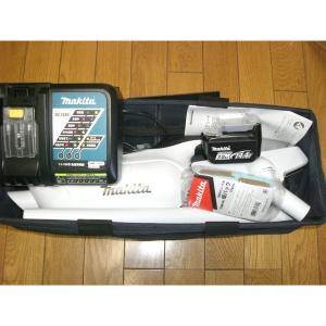 マキタ 充電式クリーナ CL142FDRFW 正規品 充電器 電池付 フルセット 便利な収納バッグ付