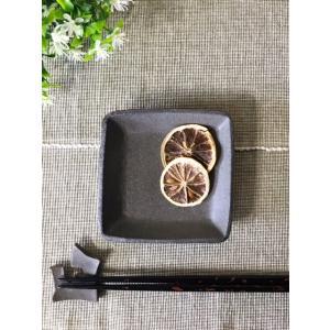 黒ひだすき 正角小皿|kanayamayaki