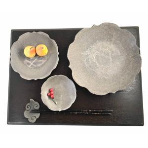 【今得】「須恵器」7寸皿 稜花 通常2750円のところ /津軽金山焼 金山焼 皿 陶器 日本製 手作り ギフト プレゼント 贈り物 おしゃれ 器 焼締|kanayamayaki