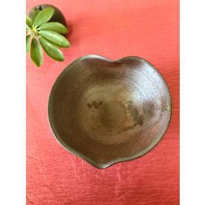 ハート中鉢/津軽金山焼 金山焼 陶器 日本製 手作り プレゼント おしゃれ お祝 器 食器 中鉢 ボウル ハート |kanayamayaki