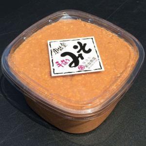 新出商店 天然醸造で自家製米麹使用 国産だから安心安全奥能登味噌 2kgカップ入り|kanazawa-honpo