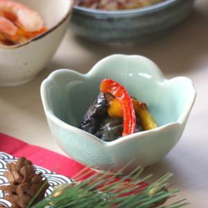 マシュー青磁桜小付 8.8×4.2(cm)日本製 美濃焼 業務用食器 使いやすい小鉢 使いやすい食器 本格和陶器 小鉢  kaneroku