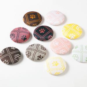 畳縁で作ったマグネット 2個セット 犬猫の肉球柄 足跡 和雑貨 和柄 畳畳ヘリ 畳ふち ホワイトボード 黒板 文房具 [クロネコDM便]|kansaitatami-kyoto
