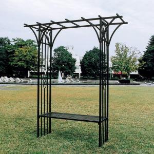 アイアン製のパーゴラ ベンチ付のパーゴラはベンチを花台として利用可能 植物を這わせれば素敵なエクステリアに ベンチ付パーゴラ ガーデンアーチ タイプK|kantoh-house