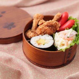 お弁当箱 曲げわっぱ 桜柄 丸型 茶 650cc 間仕切り・選べるバンド付き 送料無料|karinhonpo2951