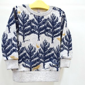 Quality;綿100% 北欧テイストの素敵なトレーナー。 ネイビーの木に金の鳥や流れ星のプリント...