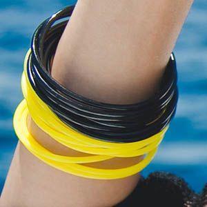 【br2627】【メール便送料180円対応商品】軽くて柔らかい素材のリングリングカラーブレスレット|kawaicat