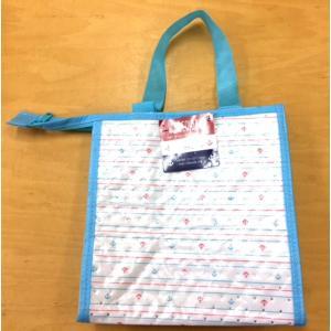 ○保温・保冷バッグです。  350mlの缶飲料が6本入ります。  レジャーなどの飲み物の持ち運びに便...