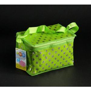 ○ボックスタイプの 保温・保冷バッグです。  かわいい水玉柄です。  サイズは、約21×14×高さ1...