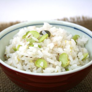 ★だだちゃ豆と厳選雑穀★ 「だだちゃ」とは、山形県庄内地方の方言で親父を指します。 庄内藩の殿様が枝...