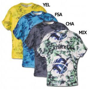 圧倒的な人気を誇るアスレタ、ジュニア用プラクティスシャツ。 柄入りの半袖プラシャツ。通気性の良いメッ...