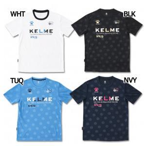 ケルメ、ジュニア用半袖Tシャツ。 ドット柄をベースに、ポップなロゴを配置。フルエンボス加工仕様。 素...