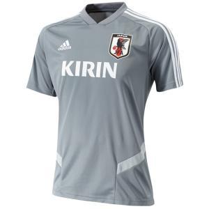 サッカー日本代表、半袖トレーニングジャージー。 定番性と新しさを融合したTIRO19。各国代表、海外...