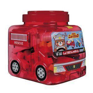 赤透明の消防車型の目をひくケースが特徴!消防車はもちろん組み替えて、ロボット・ヘリコプター・船など、...