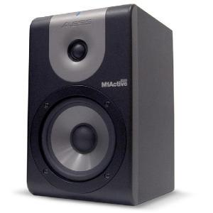 M1 Active 520は、高精度なドライバーとクロスオーバーを搭載し、高い解像度とフラットな周波...