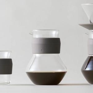 ピッチャー グリップ付き コーヒー用品 電子レンジ対応 食洗器対応 無地 クリアカラー| Glaco...