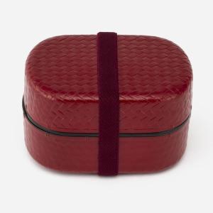 樹脂のしっとりとした手触りが心地よい、わっぱ風2段弁当箱です。 丈夫でしっかりと容量が入る、上品なデ...