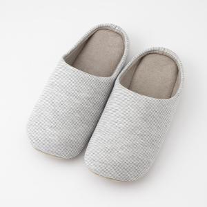 ソフトな履き心地が魅力のシンプルなルームシューズです。 どのお部屋にも合わせやすいシンプルなボーダー...
