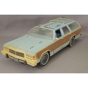 グリーンライト 1/18 1980 フォード LTD カントリースクエア