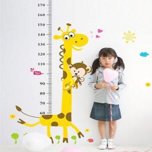 壁紙シール きりんの身長計|kidsfan