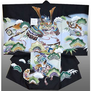 お宮参り 着物 正絹産着 男子初着  兜に小槌柄黒 刺繍入り 日本製 フード正絹セット付|kidskimonoyuuka