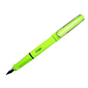 LAMYのサファリ万年筆 2015年限定カラーです。 鮮やかな蛍光ライムグリーンが 目をひきます。 ...