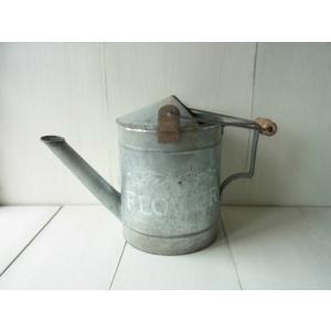 OLD TIN Watering Can / ブロカント風のロゴ入りブリキジョウロ|kikisuu